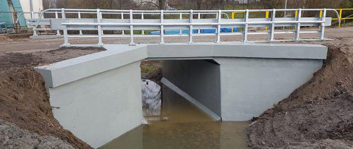 Remont mostu, Pilec