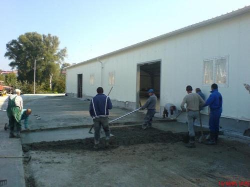 Budowa hali produkcyjnej (3)