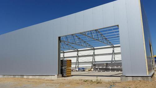 Budowa hali produkcyjnej (23)