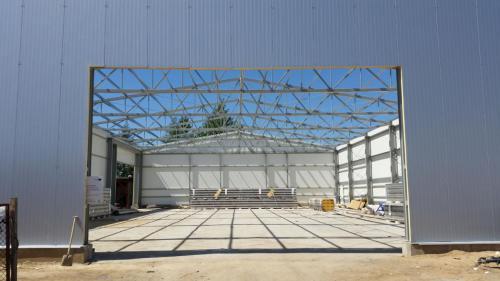 Budowa hali produkcyjnej (24)