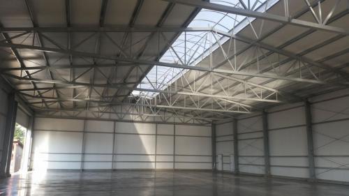 Budowa hali produkcyjnej (26)