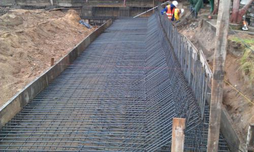 Budowa muru oporowego (4)