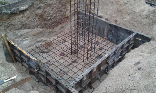 Budowa muru oporowego (5)